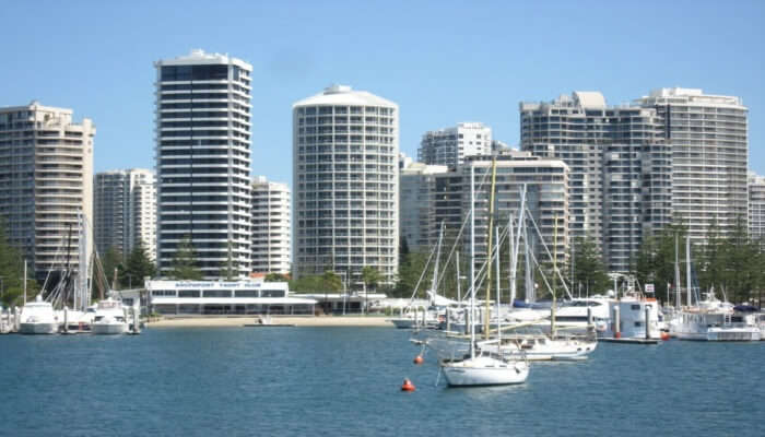 Gold Coast City Sights With Crab Catching Cruise