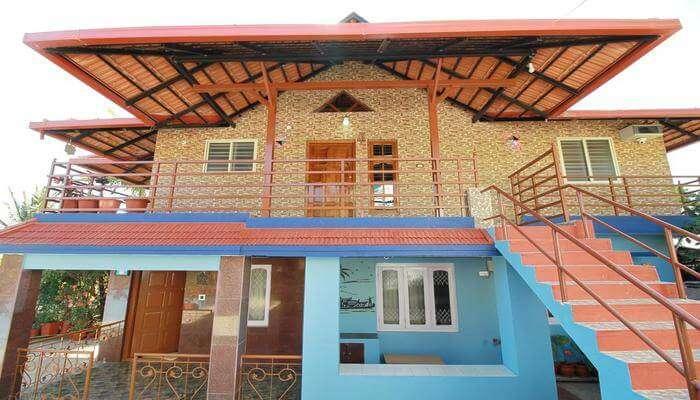 Hill-View Homestay In Madikeri Villa
