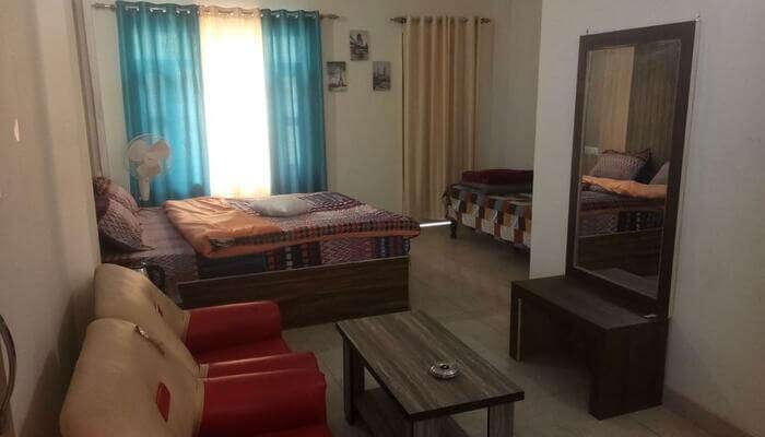 Hotel Dhanesh