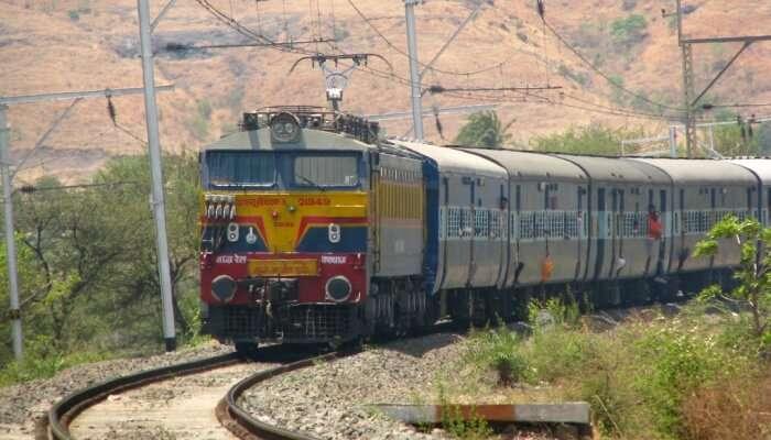 This train runs between Jammu Tawi and Pune