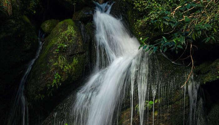 Jana Waterfall manali