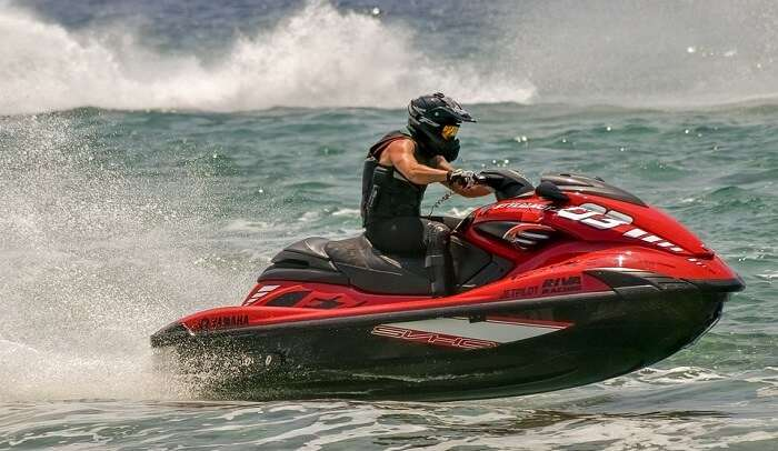 hire a jet ski for enjoying water sport