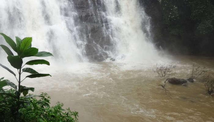 Kalahatty Falls