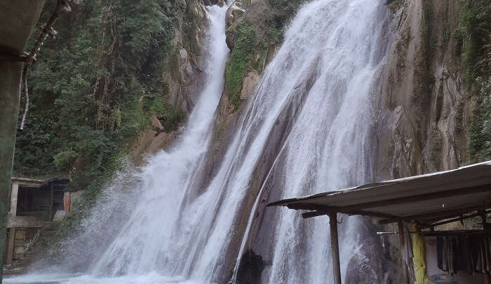 the fanous whaterfall in mussoorie