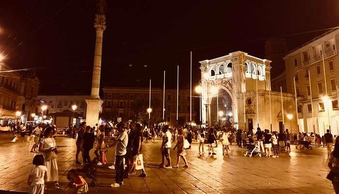 Lecce night