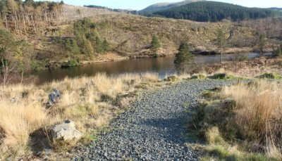 lake lies in southwestern Scotland is known for its scenic views