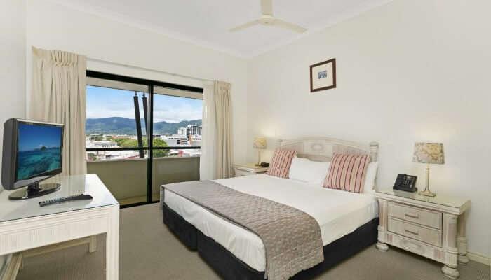 Mantra Esplanade Cairns View