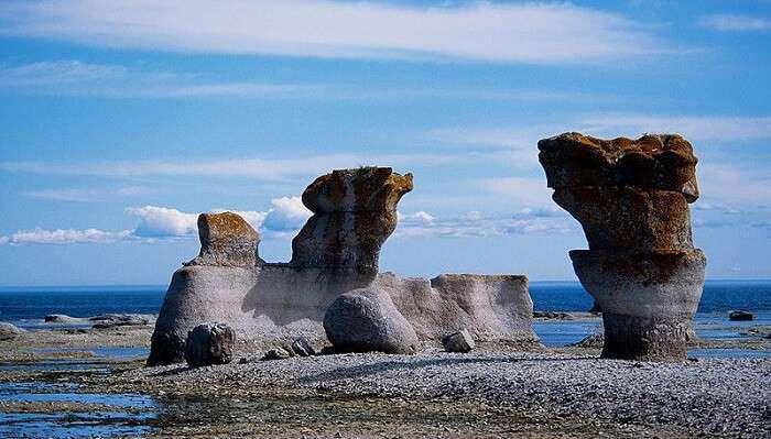 Mingan Monoliths