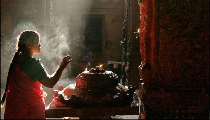 Offering prayers