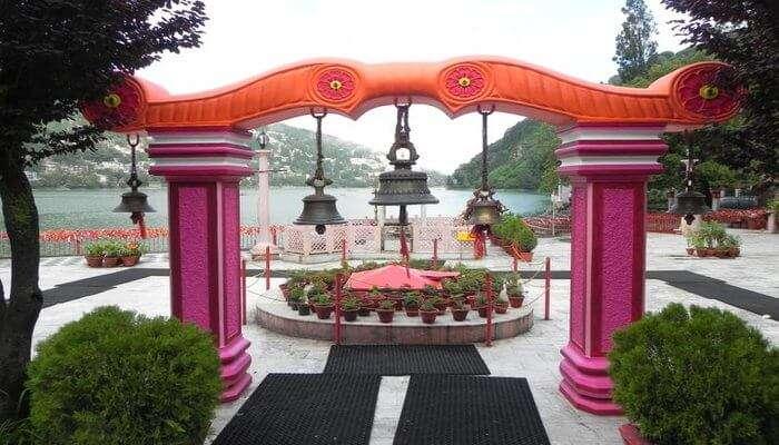 this is temple of naina devi in nainital