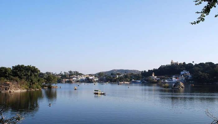 Beautiful Nakki Lake: Go Boating!