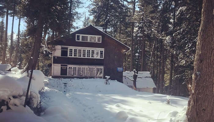 a beautiful two Storey cottage in Pahalgam
