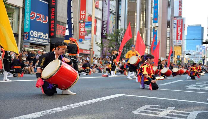Participate In Shinjuku Eisa Festival