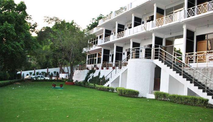 Pine Oak Resort