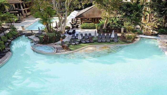 Pullman Palm Cove Sea Temple Resort