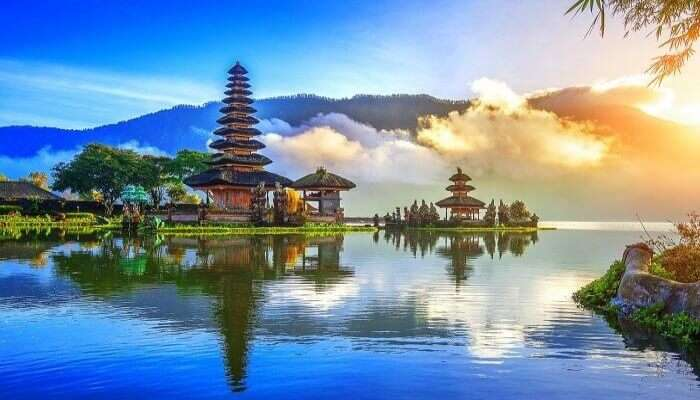 Beautiful Pura Ulun Danu Bratan
