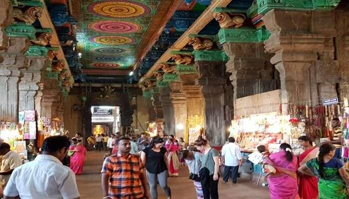 Puthu Mandapam Market