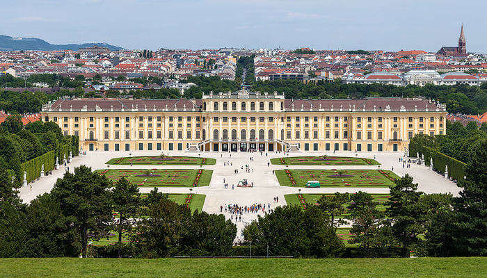 Schonbrunn Palace And Gardens