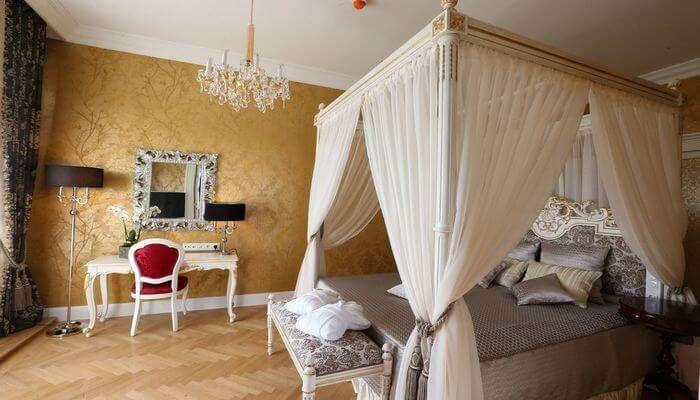 Schonbrunn Palace Suite