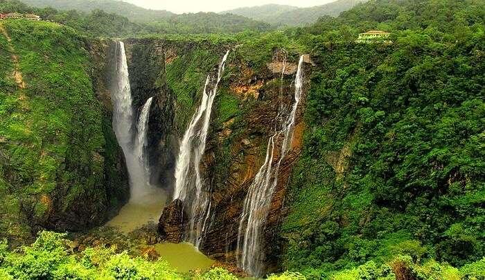 offers astounding natural beauty