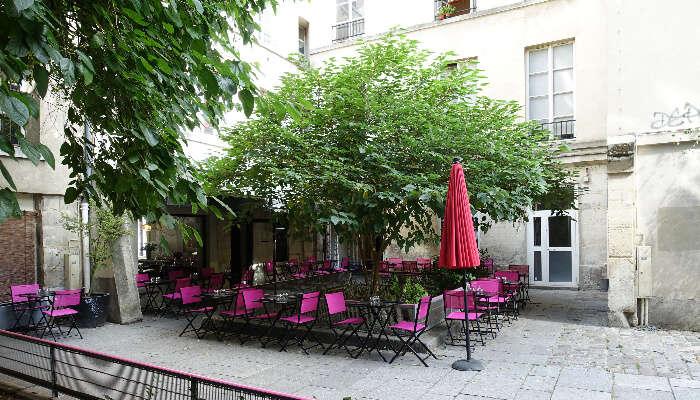 St. Paul Village, Paris