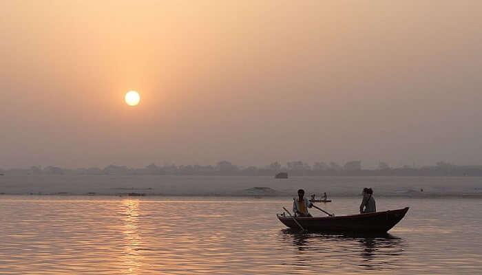 boat ride varanasi