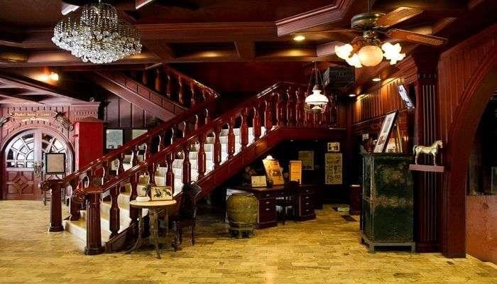 Thavorn Hotel Museum