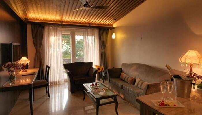 lavish stay in Mahabaleshwar