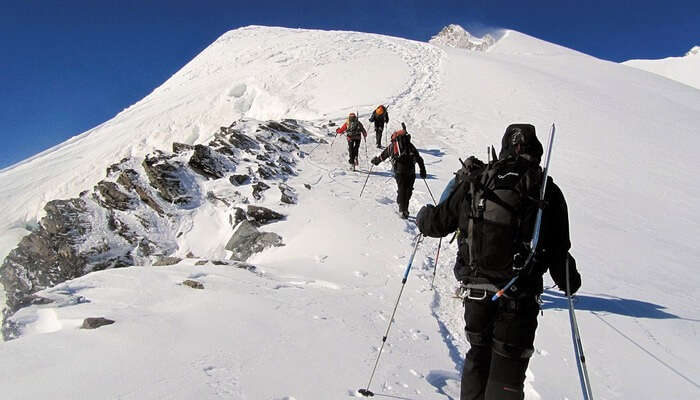 Tips To Keep In Mind For Mountaineering In India