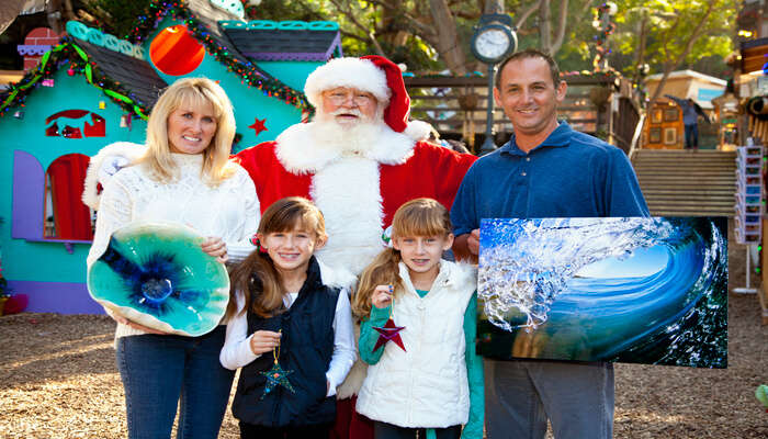 Visit Luna Park And Take A Picture With Santa