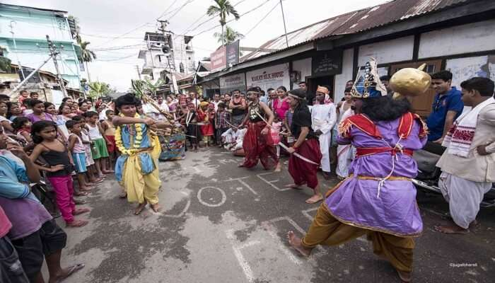 Witness The Local Culture At Sualkuchi
