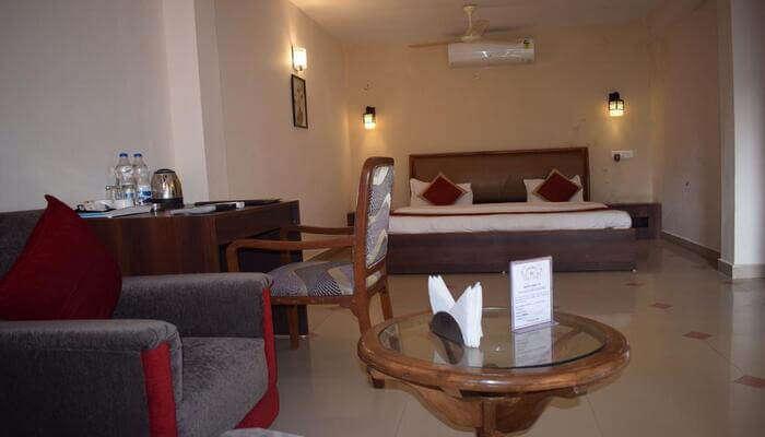 Woods Inn Resort