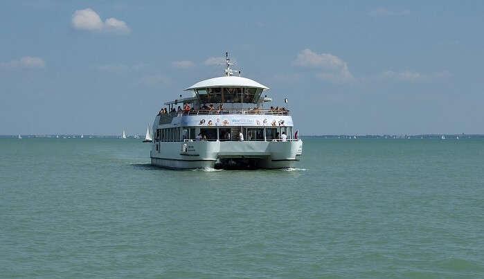 catamaran cruise goa