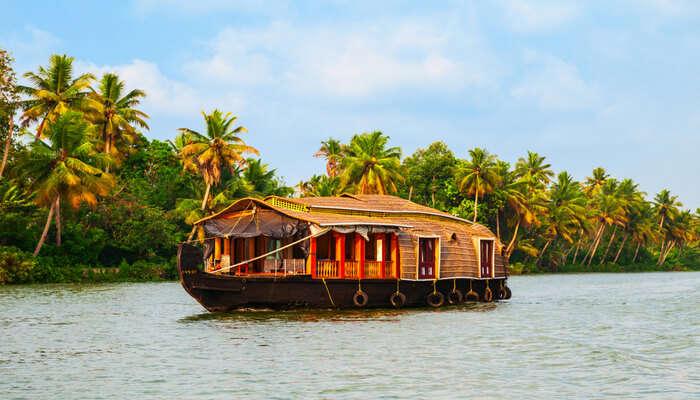 Best Places near Guruvayur