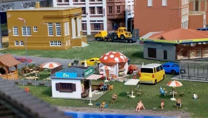 miniature world musuem