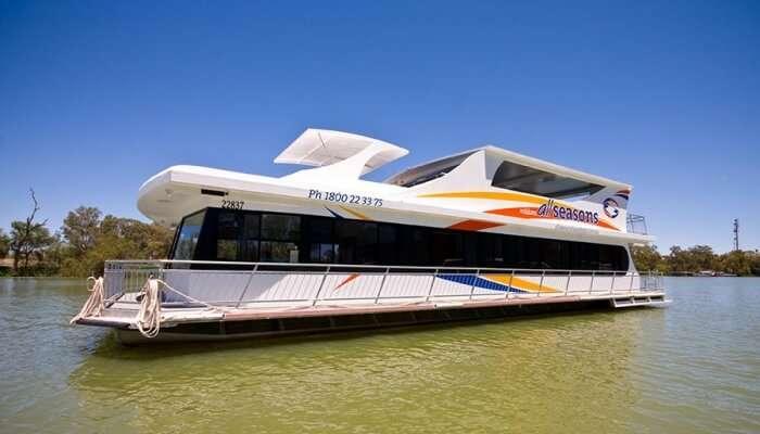 houseboat, Victoria, Australia
