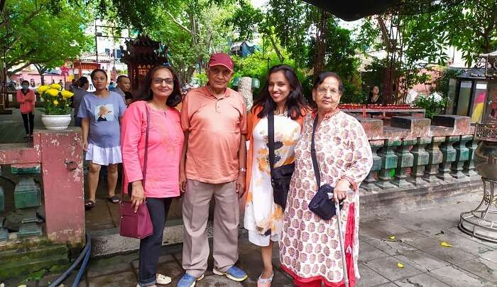 a family pic at Giac Lam Pagoda