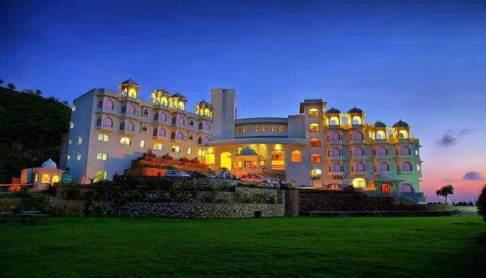 About Hotel Bhairavgarh Palace