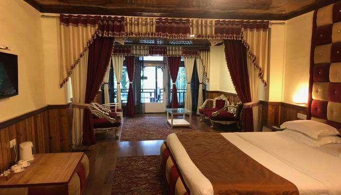 Alka The Lakeside Hotel