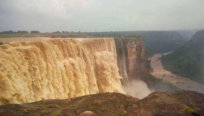 highest waterfall in Madhya Pradesh
