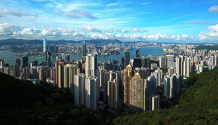 Catch Beautiful Glimpses Of Hongkong!