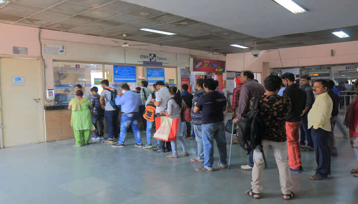 Delhi To Manali Train Fares