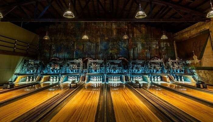 Highland Bowling Alley