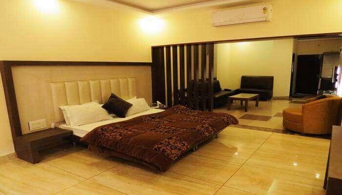 Hotel Amar Palace, Ambala