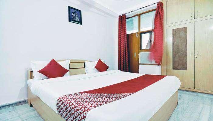 Hotel Aravali Palace
