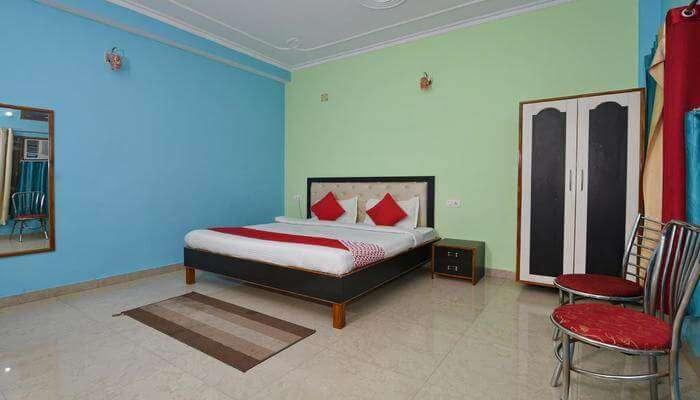 Hotel Chaitanya Inn