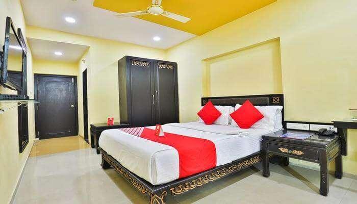 Hotel Lotus Residency