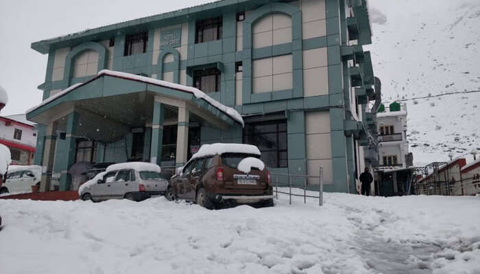 luxury hotels near Chopta