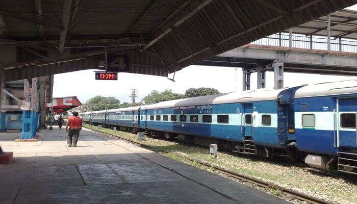 How To Book Your Train From Delhi To Dehradun