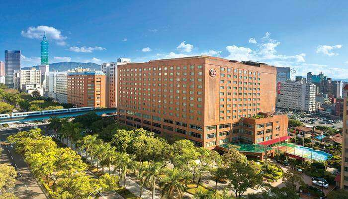Howard Plaza Hotel